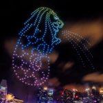 500機のドローンがマーライオンを投影! シンガポールで「STAR ISLAND」のカウントダウン