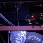 小型ドローン「IBIS」が高さ25センチの天井裏を撮影 リベラウェアがJR新宿駅で実証実験