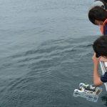 海洋科学高生、水中ドローンで海中調査 慶應コンソの研究員らと神奈川・横須賀で